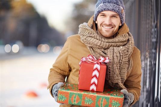 Kalėdinės dovanos vyrams: į ką atsižvelgti renkant dovaną Jam?