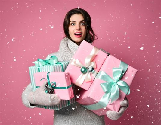 Kalėdinės dovanos moterims: įspūdžio dovanų idėjos
