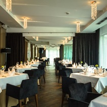Vakarienė viešbučio DRUSKININKAI restorane