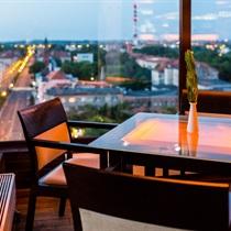 """Vakarienė panoraminiame restorane """"XII"""""""