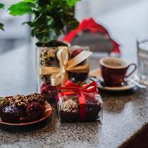 Gardi kava + desertas kokteilių bare COSMOS