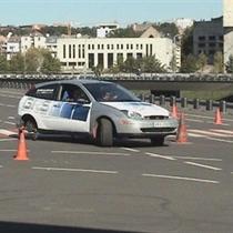 Slystančio automobilio valdymo programa