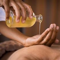 """Aromaterapinis masažas """"Raindrop"""""""