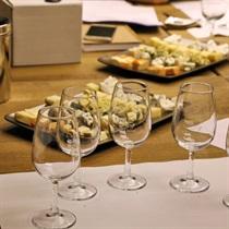 Vynų ir sūrių degustacija