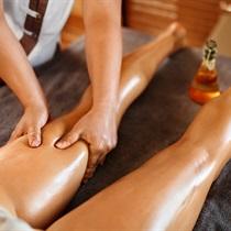 Anticeliulitinis masažas arba masažų kursas