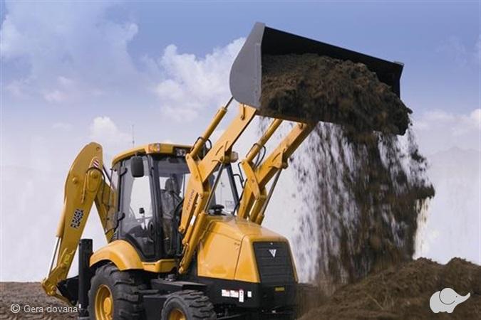 """Traktoriaus arba """"Bobcat"""" vairavimo pamoka"""