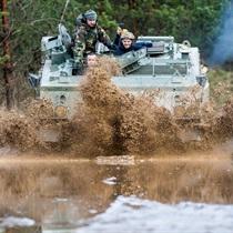 Išbandyk karinį autoparką tankodrome