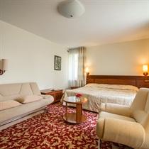 """Romantiškas poilsis viešbutyje """"Violeta"""""""