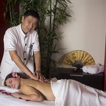 """Kiniškas nugaros ir pėdų masažas """"Tuina"""""""