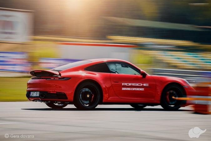 """""""Porsche Driving Experience"""" mokymai"""