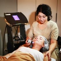 Prabangi veido procedūra brandžiai odai