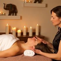 Atpalaiduojantis SPA veido masažas