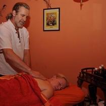 Valantis ajurvedinis viso kūno masažas