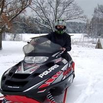 Ekstremalus pasivažinėjimas sniego motociklu