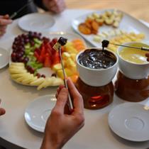 Belgiško šokolado fondiu dviem arba šeimai