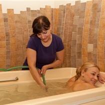 Povandeninis masažas ir sutepimas aliejumi