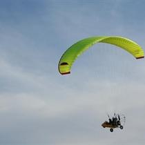 Pažintinis skrydis motorizuotu parasparniu