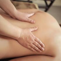 Havajietiškas kūno masažas dilbiais