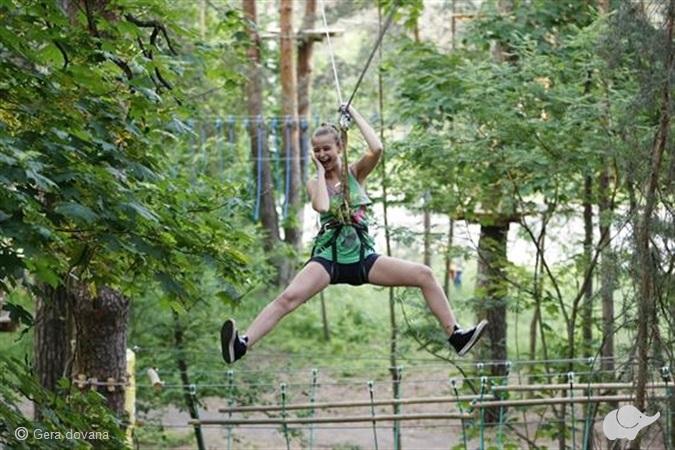 """Pramogos """"ONE nuotykių parke"""" Druskininkuose   arba """"SPLIUS nuotykių parke"""" Šiauliuose"""