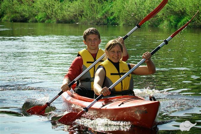Plaukimas baidarėmis Minijos upe dviem