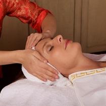 Stangrinamasis veido masažas