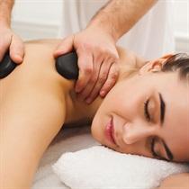 Aromaterapinis karštųjų akmenų masažas