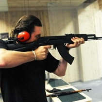 Šaudymas iš tikrų kovinių ginklų