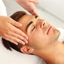 Drėkinamoji veido procedūra vyrams