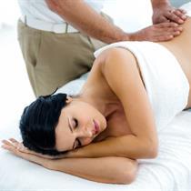 Atpalaiduojamasis nugaros masažas nėštukėms