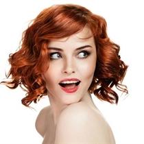 Gydomoji plaukų procedūra nuo pleiskanų