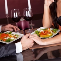 Romantiška nakvynė su vakariene Vilniuje