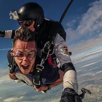 Tandeminis šuolis parašiutu iš 4 000 m