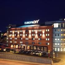"""Nakvynė """"Europa City Vilnius"""" dviem"""